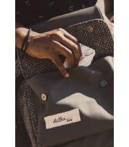 Szürke színű dizájner hátizsák