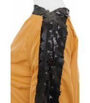 Mustársárga ruha fekete csipkével