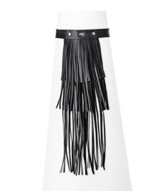 Fekete színű nyakpánt hosszú 3 soros rojtos díszítéssel