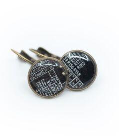 Franciakapcsos fülbevaló alaplapból, réz színű foglalatban, fekete