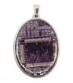 designer_ekszer_rekreacio_medal_oval_acel_lila