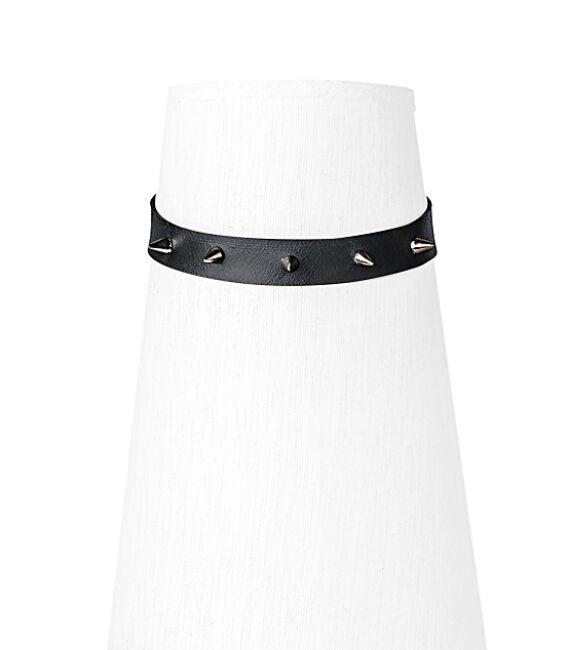 Fekete színű nyakpánt tüskés díszítéssel