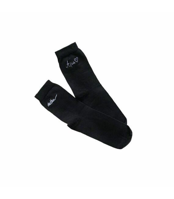 Fekete színű zokni hímzett felirattal, Apa